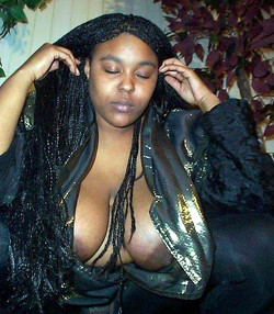 Ebony girlfriend poses and gets naked..