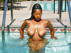 Horny and nude black women in..